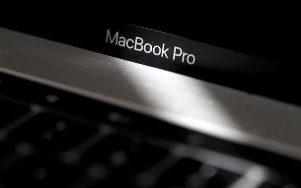 Ποια MacBook θα απαγορευθούν σε πτήσεις επιβατικών αεροσκαφών
