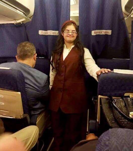 Η πρώτη Αιγύπτια αεροσυνοδός με σύνδρομο Down
