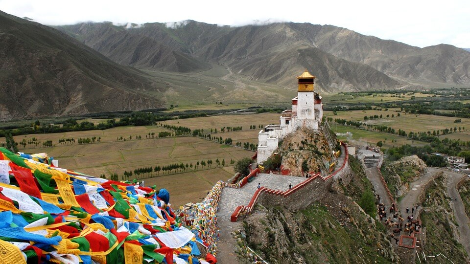Γιατί τα αεροπλάνα αποφεύγουν να πετούν πάνω από το Θιβέτ